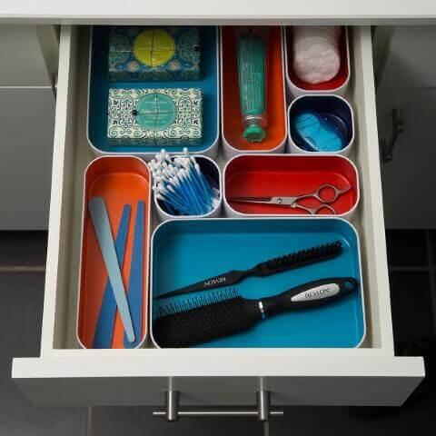 Organizador de gavetas feito de caixinhas
