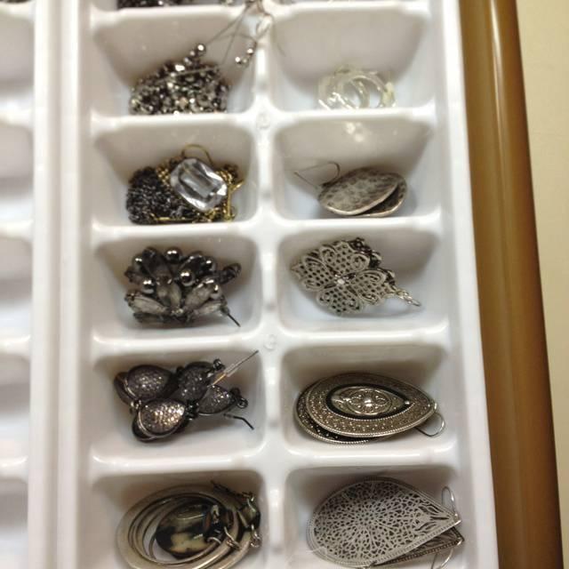 Organizador de gavetas feito de forma de gelo
