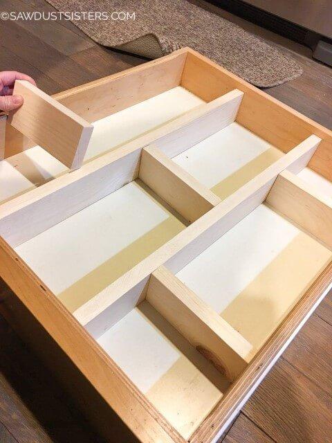 Organizador de gavetas feito de madeira