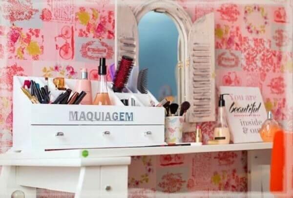 Organizador de maquiagem branca em mdf