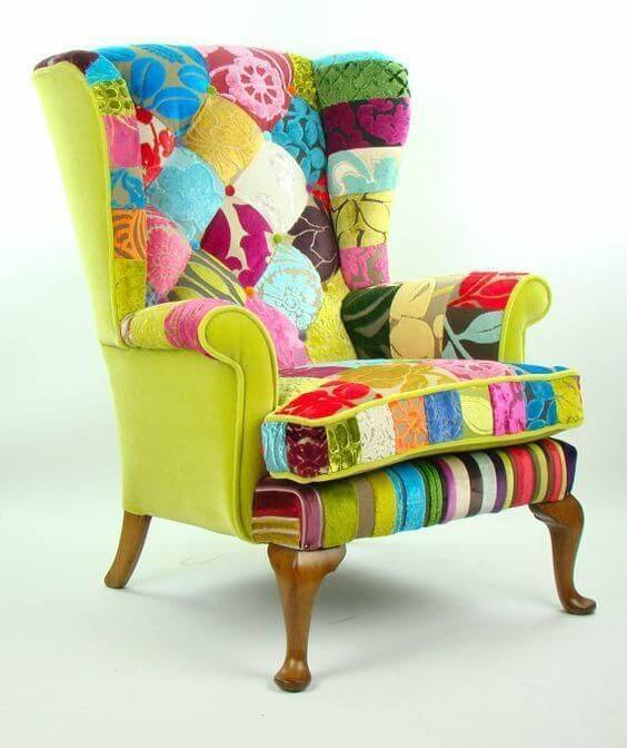 Poltrona customizada com patchwork