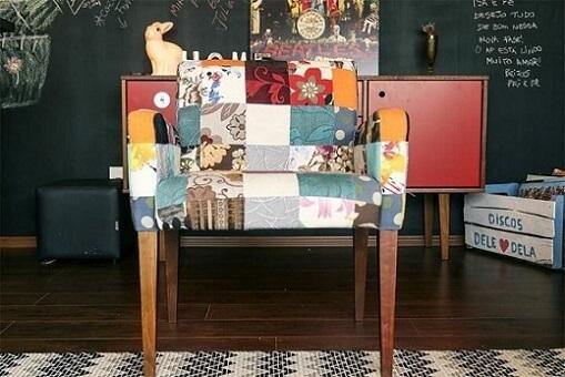 Poltrona de patchwork em decoração de sala de estar Projeto de Casa Aberta