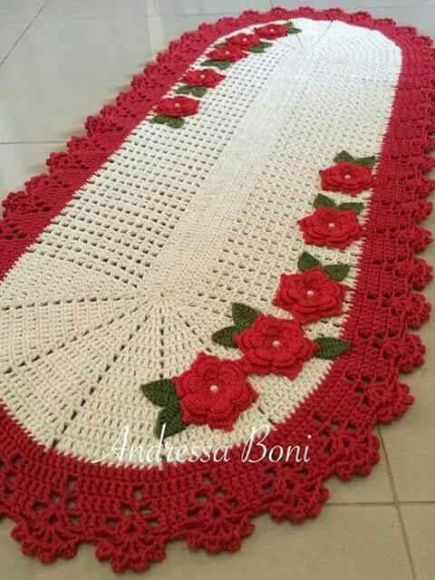 Tapete de crochê para cozinha com borda e flores vermelhas Foto de Andressa Boni