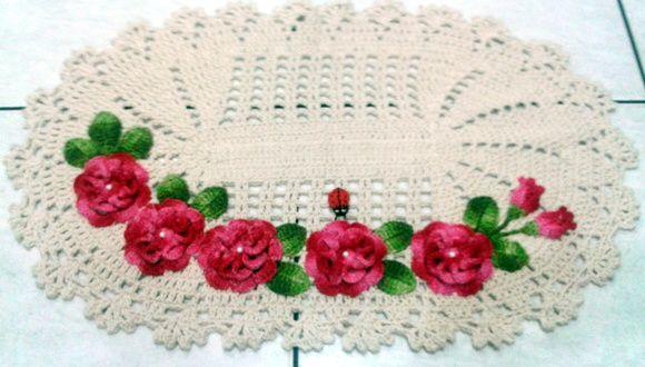 Tapete de crochê para cozinha com várias flores
