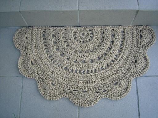 Tapete de crochê para cozinha de meio círculo com borda de babado Foto de Pinterest