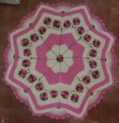 Tapete de crochê para cozinha em formato de estrela com flores