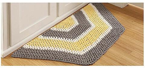Tapete de crochê para cozinha em formato de meio hexágono Foto de Leisure Arts