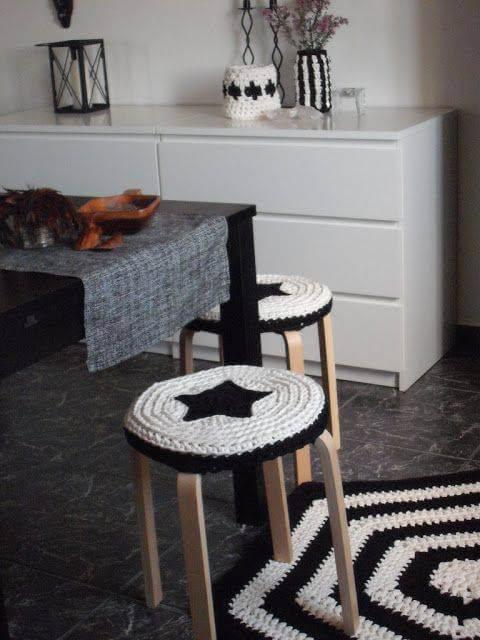 Tapete de crochê para cozinha preto e branco