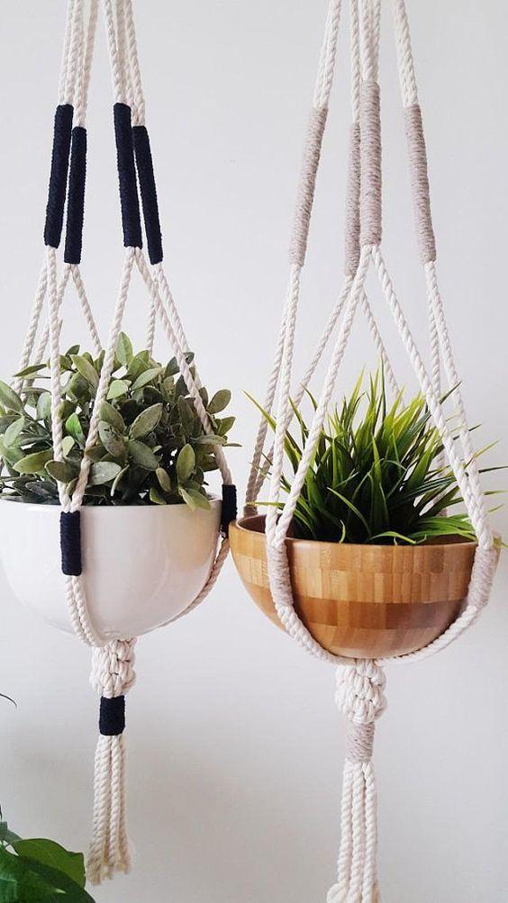 Vaso suspenso com macrame