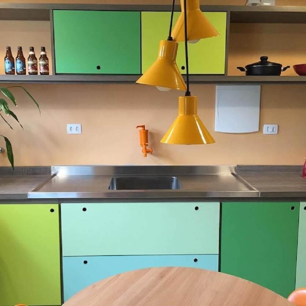 armários coloridos para cozinha retrô
