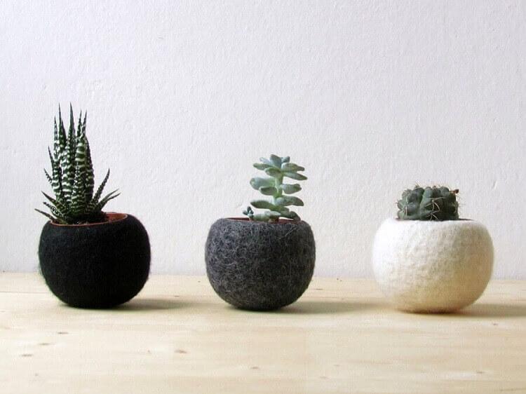 artesanato em feltro para vasinhos de suculentas em decoração moderna