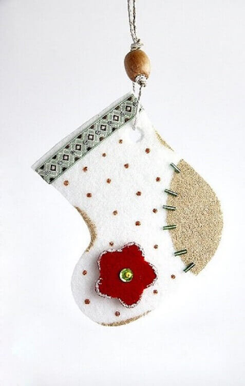 bota natalina feita de artesanato em feltro