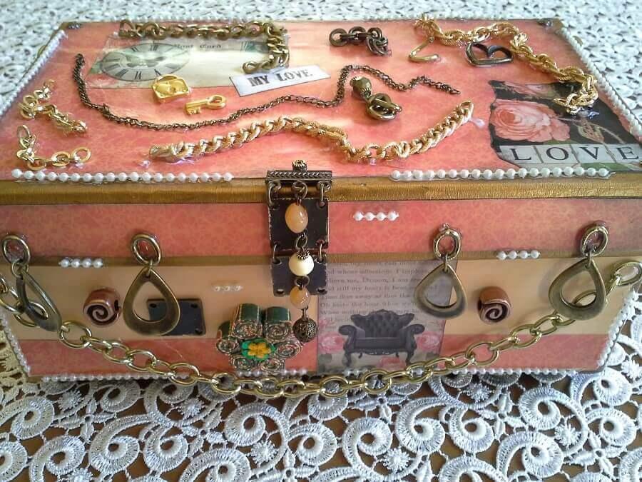 caixa decorativa de madeira com fecho metálico Foto Pinterest