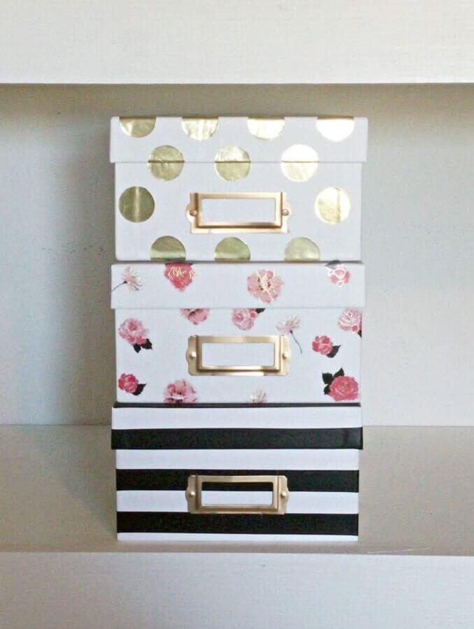 caixas de sapato decoradas com papel em estampas diferentes  Foto My Drive With Pride