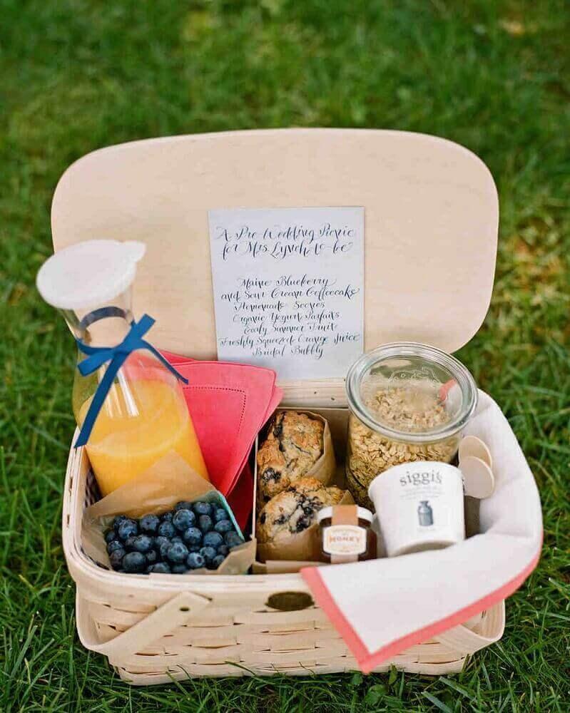 cestinha de picnic para festa na caixa simples - Foto Martha Stewart Weddings