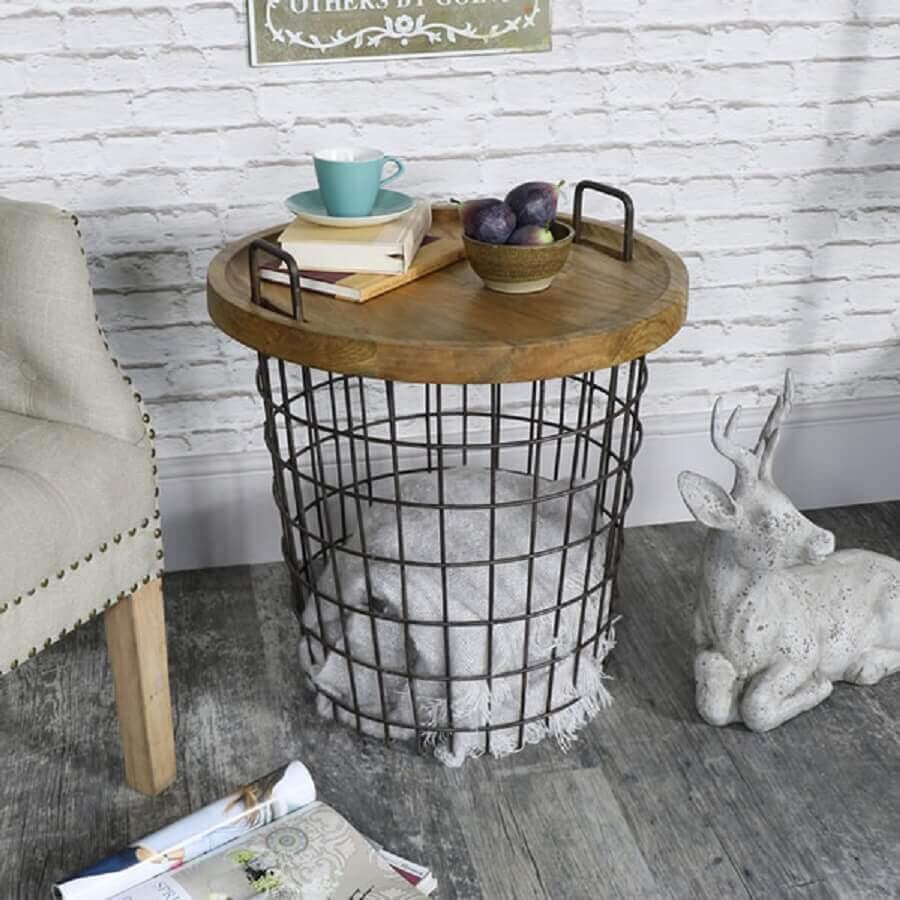 cesto de roupa com tampo de madeira para mesa lateral