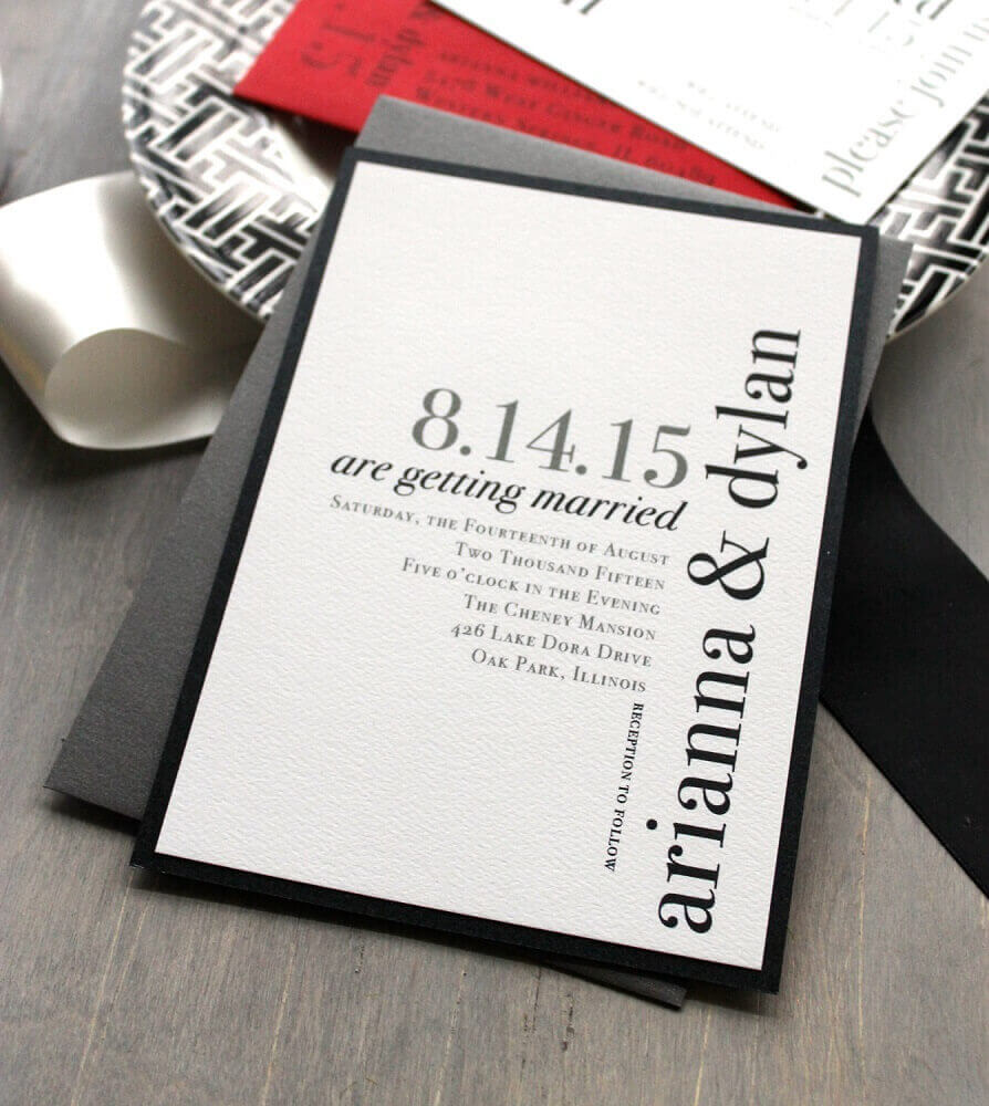 convite de casamento simples e moderno feito em tons de cinza e branco