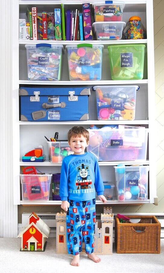 criança em espaço de brinquedos Foto Making Lemonade Blog