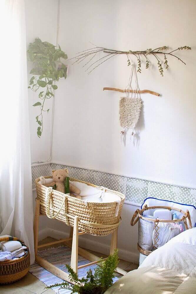 decoração com móveis de vime para quarto de bebê com berço de vime Foto LaTonya Yvette