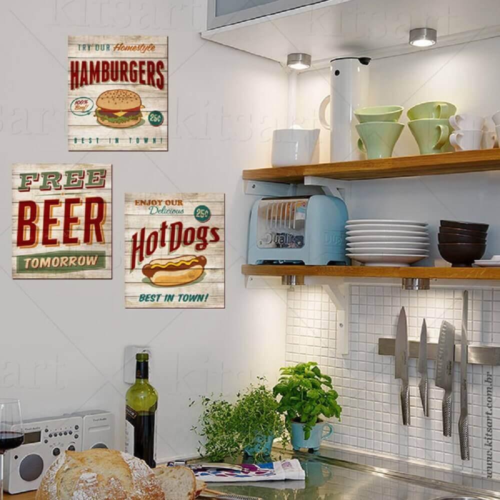 decoração com quadros retrô para cozinha