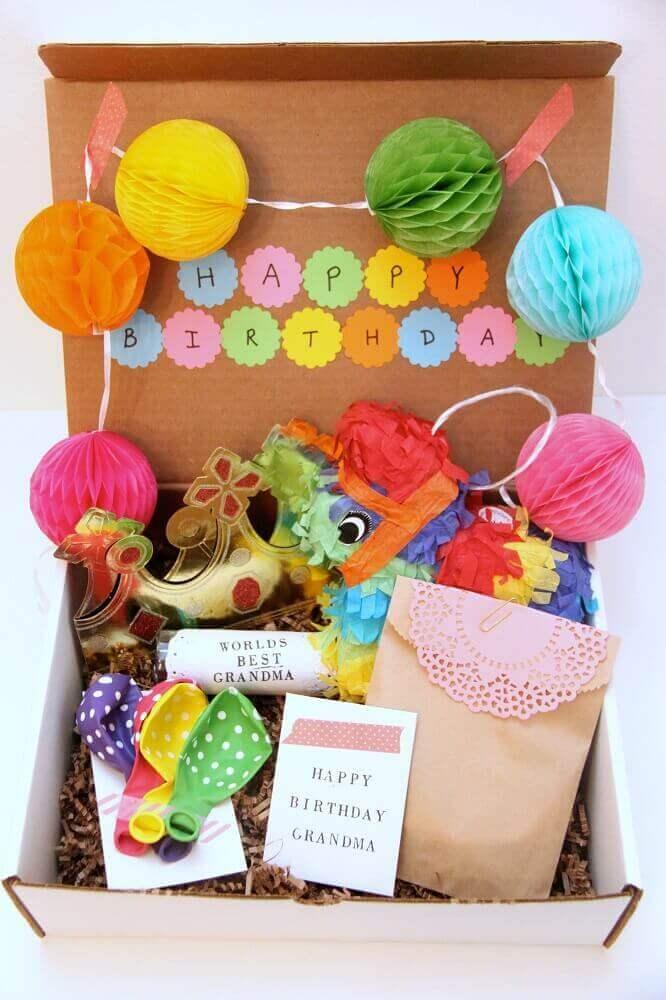 decoração divertida e colorida para festa na caixa infantil