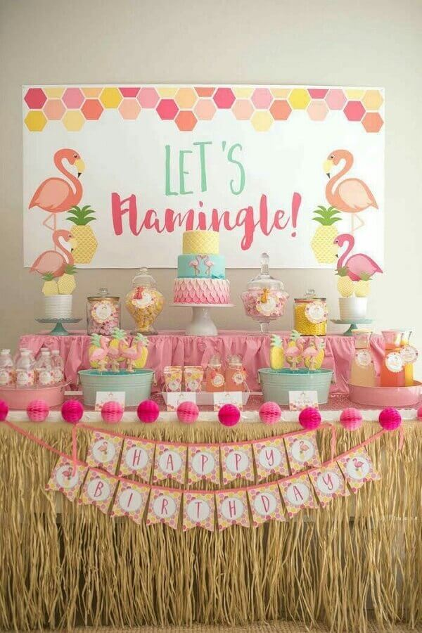 decoração festa de 15 anos com tema flamingos