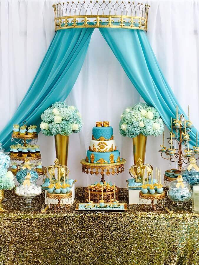 decoração festa de 15 anos sofisticada em tons de dourado e azul Tiffany