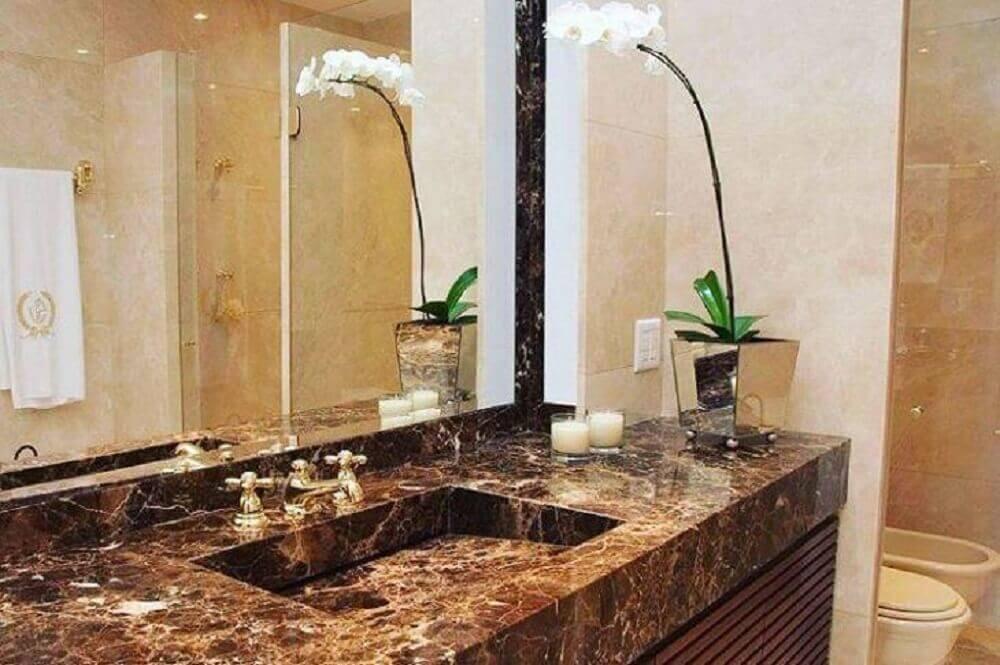 decoração para banheiro com pia esculpida na pedra de mármore Foto Portela Designer Mármores