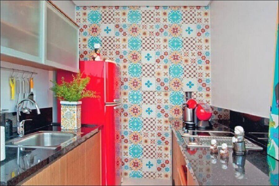 decoração para cozinha com azulejo retrô