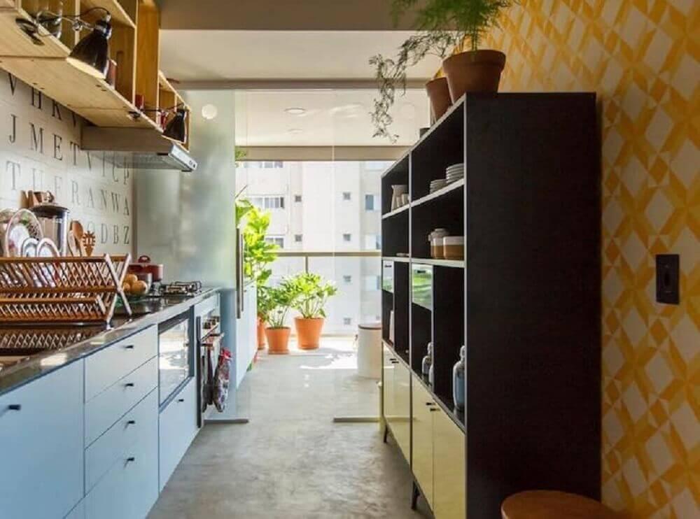 decoração para cozinha com azulejo retrô e piso de cimento queimado