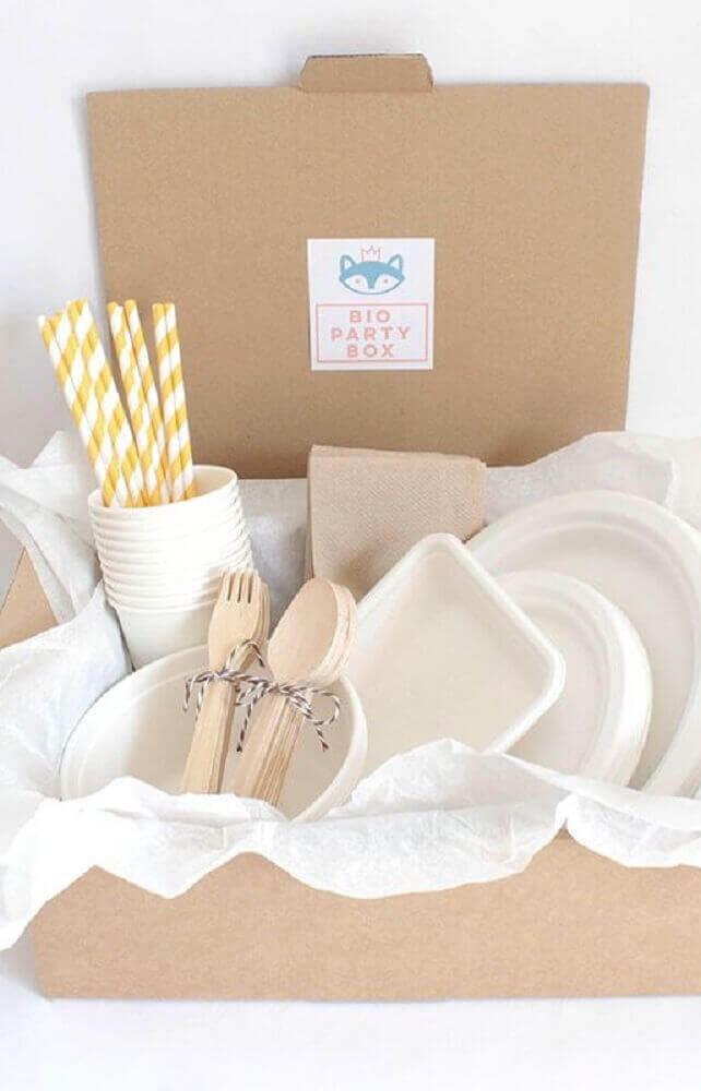decoração simples e clean para festa na caixa simples -Foto Pinterest