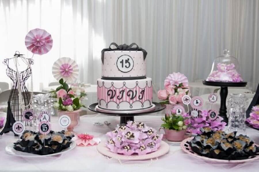 decoração simples para festa de 15 anos