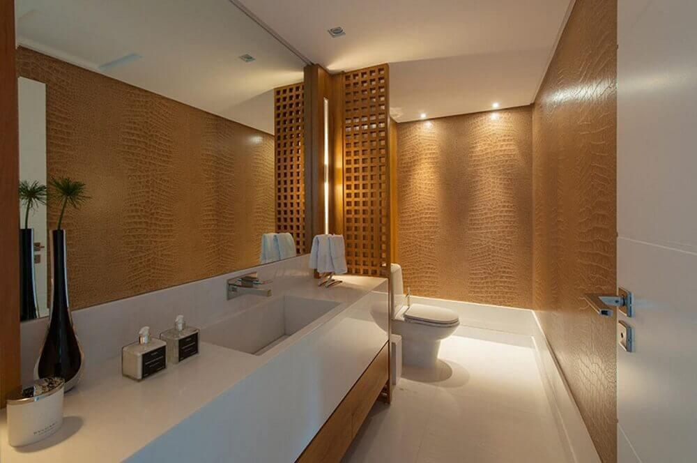 decoração sofisticada para banheiro com pia esculpida em porcelanato branco Foto In House