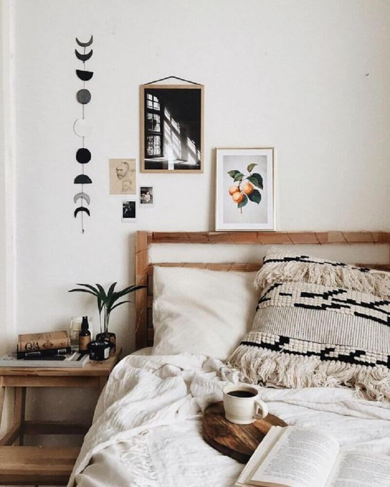 estilo hygge para quarto com cabeceira e criado mudo de madeira Foto Pinterest