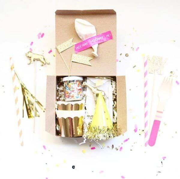 Festa na caixa doces e comidas