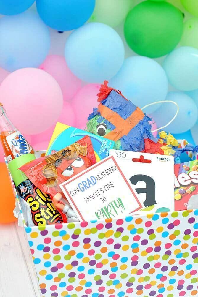 festa na caixa infantil com decoração colorida e divertida - Foto Beach Resort