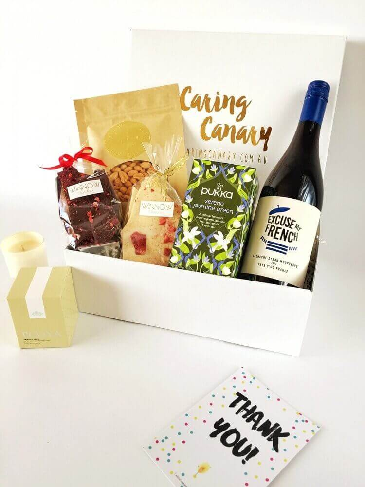 festa na caixa simples - Foto Caring Canary