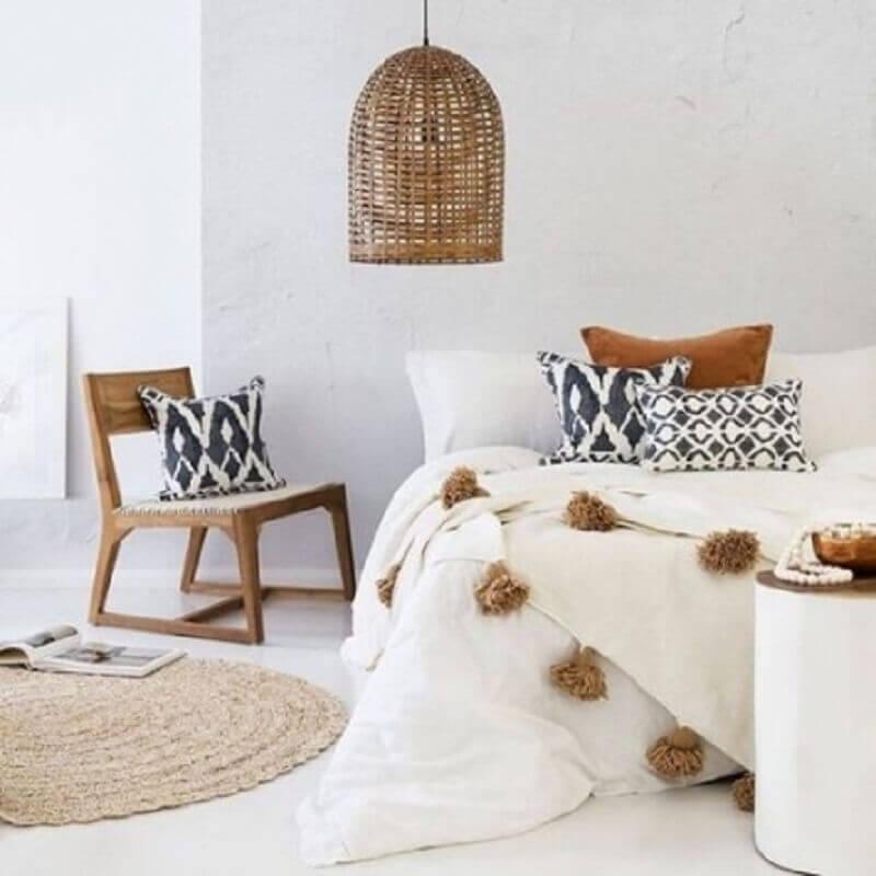 hygge decor para quarto com tapete redondo e pendente de fibras naturais Foto Pinterest