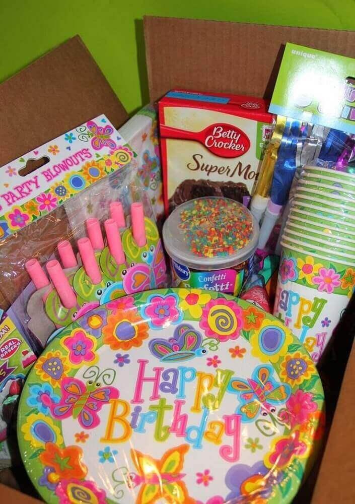 itens para festa na caixa de aniversário