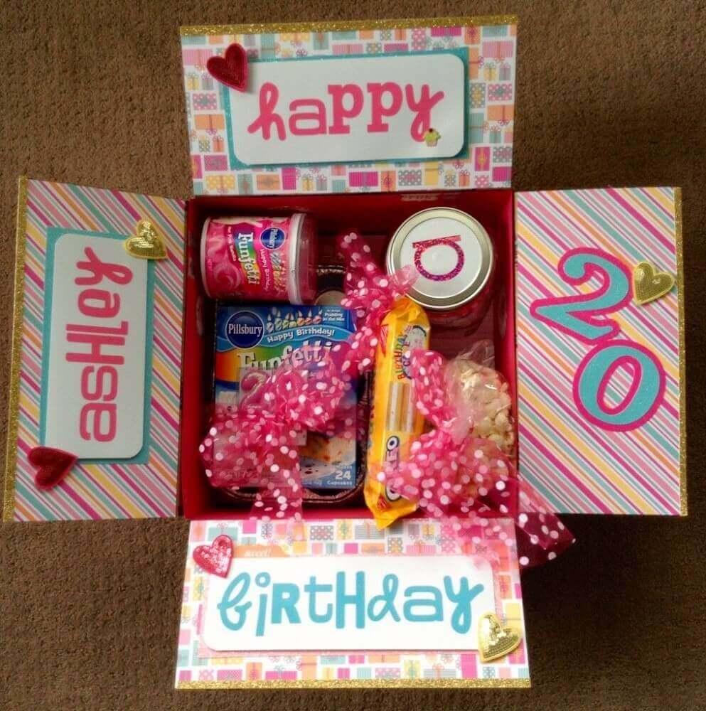 modelo colorido de festa na caixa para amiga - Foto - Pinterest