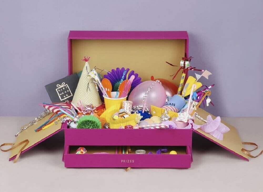 modelo de festa na caixa de aniversário infantil - Foto Celebrations Cake Decorating