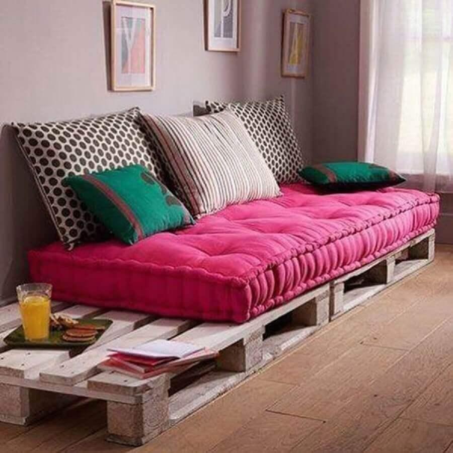 modelo de sofá de pallets com futon