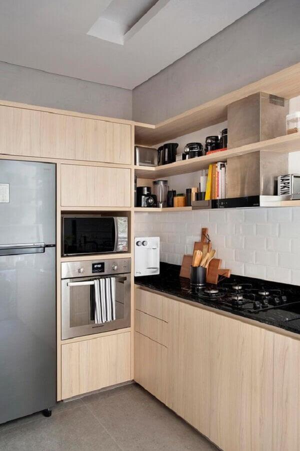 nichos para cozinha com armários de madeira Foto Casa de Valentina