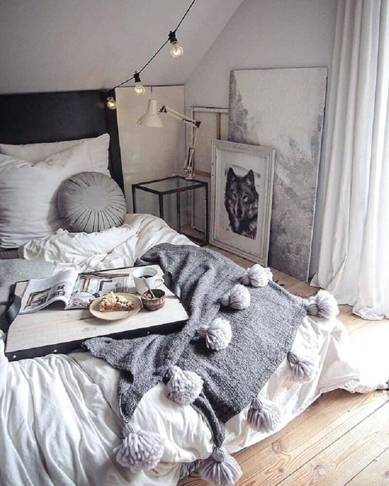 quarto com estilo hygge decorado em tons de cinza Foto The Funny Mummy