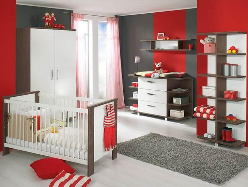 quarto de bebê vermelho e cinza - Foto Pinterest