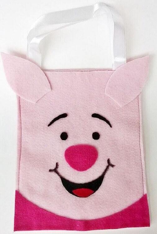 sacola infantil feita de artesanato em feltro