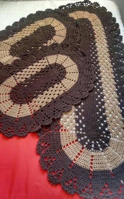 tapete de crochê para cozinha - tapete marrom oval