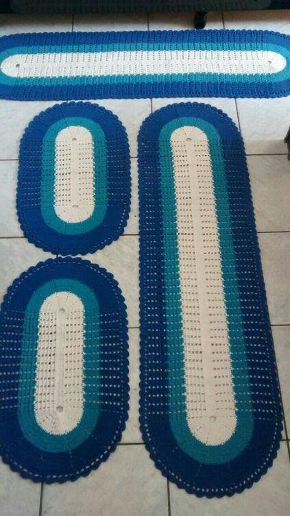tapete de crochê para cozinha - tapetes azuis listrados