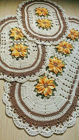 tapete de crochê para cozinha - tapetes ovais branco e marrom