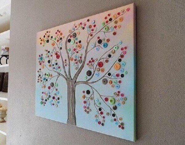 Artesanatos em geral com quadro de árvore com botões